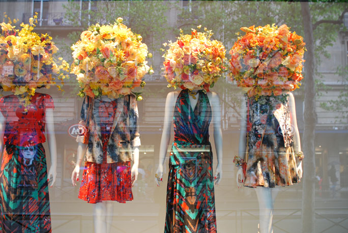 vitrine printemps shop shopping paris
