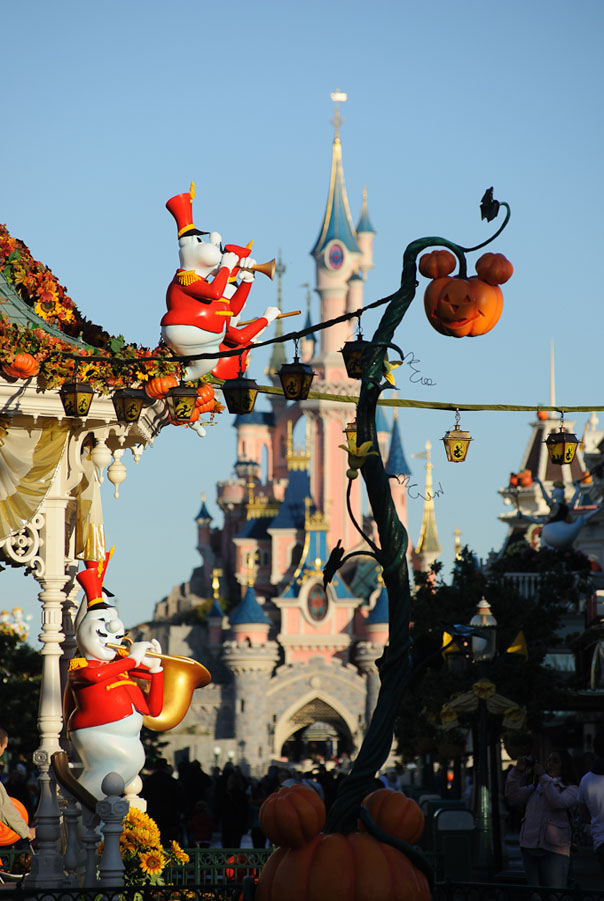 disneyland paris halloween party